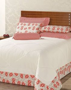 This Pin was discovered by Nes Bed Covers, Pillow Covers, Sheet Curtains, Baby Sheets, Quilted Table Runners, Bed Styling, Diy Pillows, Soft Furnishings, Bed Spreads