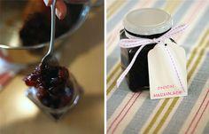 Onion marmalade - substitute red wine vinegar with apple cider vinegar - yum!