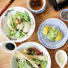 Man Mo Café at Sheung Wan serves extraordinary East-Meets-West dishes like no other. See how they blend salad and dim sum into a perfect meal~ Address: 40 Upper Lascar Row (Cat Street), Sheung Wan, Hong Kong Island #allabouthongkong