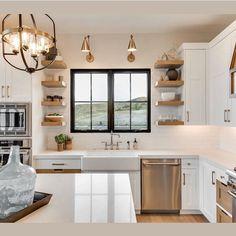 23 New Ideas for small bungalow remodel window Small Bungalow, Bungalow Kitchen, Home Decor Kitchen, Kitchen Design, Kitchen Ideas, Modern Farmhouse Kitchens, Home Kitchens, Farmhouse Ideas, Farmhouse Design