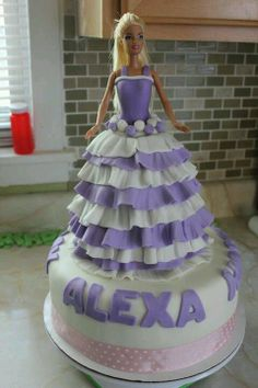 #Barbie #cake