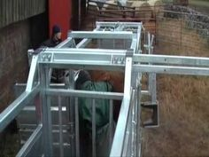 Ritchie Mobile Cattle Handling Crate (in use)