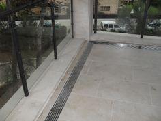 Parrillas sumideros en acero inox según diseño del cliente.
