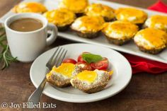 These Sausage Crusted Egg Muffins are a great make-ahead breakfast idea for busy mornings. Low carb, grain free, THM S, keto, gluten-free. Sausage Egg Muffins, Keto Egg Muffins, Healthy Muffins, Keto Foods, Ketogenic Foods, Low Carb Breakfast, Breakfast Recipes, Nutritious Breakfast, Atkins Breakfast