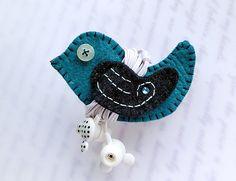 turquoise oiseau écouteurs enrouleur - for your love ones : Autres accessoires par lilyhandmade