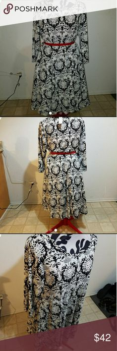 Brand new avenue damask type dress Belt is only a suggested option...belt not included...runs larger than 18/20 lots of stretch make me an offer I can't refuse Avenue Dresses