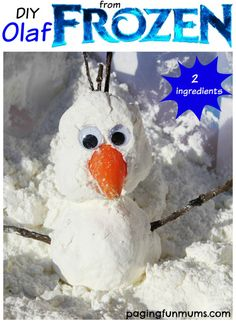 Make your own Olaf from Frozen with TWO ingredients - do you want to build a snowman? (Another option instead of painting Olaf) Winter Activities, Christmas Activities, Christmas Crafts For Kids, Craft Activities, Holiday Crafts, Olaf Craft, Winter Thema, Frozen Crafts, Olaf Frozen