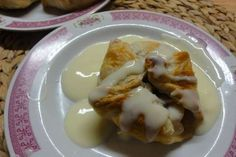 Jak upéct jablka v listovém těstě s vanilkovým krémem   recept Eggs, Breakfast, Food, Morning Coffee, Essen, Egg, Meals, Yemek, Egg As Food