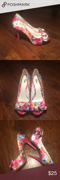 🚛MOVING SALE🚛 MAKE OFFER🚛 Floral peep toe NWOT never worn floral peep toe FIONI Clothing Shoes Heels