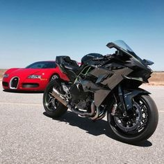 kawasaki 2015 and Veyron - Motorcycle Bugatti Motorcycle, Motorcycle Helmets, Bugatti Veyron, Motorbike Parts, Limousine, Sportbikes, Supersport, Kawasaki Ninja, Street Bikes