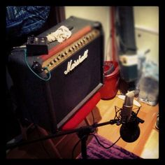 stanzino disimpegno? no, guitar/vocal booth
