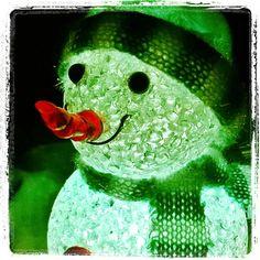 #lumimies #lumiukko ⛄ #snowman #hymyilee #toiveikkaana vaikka #ilmastonmuutos. #smiling #hopefully even thou #climatechange. Every #Yule #Joulu we're walking in the air  .... #Jysk #Scandinavianfurniture  shop #Helsinki #greenman