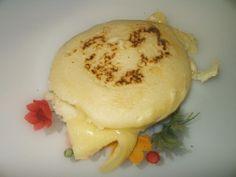 Arepa venezolana asada con queso
