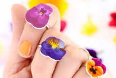 DIY Shrink Plastic Flower Rings Make these cheap and beyond easy…