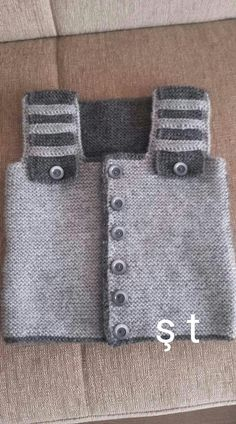 The most beautiful baby weaves for boys and girls, baby hats with captions . The most beautiful baby weaves for boys and girls, baby hats with captions … Baby Sweater Knitting Pattern, Knitted Baby Cardigan, Knit Baby Sweaters, Knitted Headband, Baby Knitting Patterns, Denim Tote Bags, Crochet For Boys, Free Baby Stuff, Baby Hats