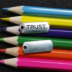 5 PCS - Trust Word Message Tag Silver Charm Pendant C0996