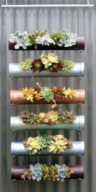 Jardim vertical com tubos