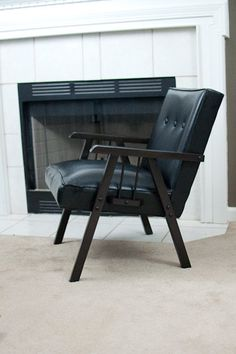 Great little mid century lounge chair..I love it.