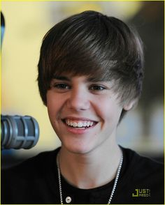 thank you for being the smile on my face Justin Bieber ❤️ Justin Bieber 2009, Justin Bieber Smile, Justin Bieber Fotos, Justin Bieber Pictures, He Makes Me Smile, Make Me Smile, Selena And Taylor, Prince Of Pop, Love Him