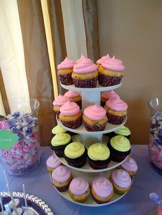 Cupcakes! Order your custom cupcakes at www.facebook.com/labelladolcecupcakes