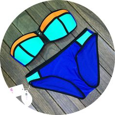Sexy strapless bikini