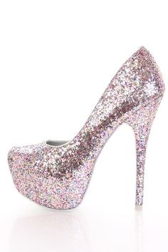I love these sparkly silver heels!!!