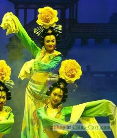 Ancient Chinese palace dance costume