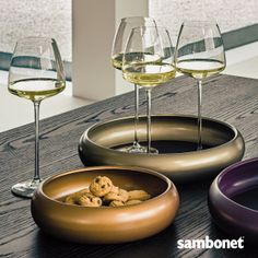 A perfect moment? Friends and a good wine. with a touch of style by Sambonet! Cutlery, White Wine, Dining Room, Touch, Friends, Tableware, Glass, Inspiration, Food