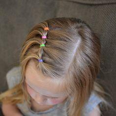 Frisuren für kleine Mädchen bunte Haargummis Kinderfrisur  #ideas #hairstyle