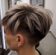 Today we have the most stylish 86 Cute Short Pixie Haircuts. We claim that you have never seen such elegant and eye-catching short hairstyles before. Pixie haircut, of course, offers a lot of options for the hair of the ladies'… Continue Reading → Girls Short Haircuts, Short Hairstyles For Thick Hair, Short Hair Cuts For Women, Pixie Hairstyles, Short Hair Styles, Black Hairstyles, Woman Hairstyles, Mandy Moore Short Hair, Short Punk Hair