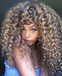 Winter Hairstyles, Easy Hairstyles, Hairstyle Ideas, Hair Ideas, Curly Haircuts, Amazing Hairstyles, Makeup Hairstyle, Fall Hair Highlights, Medium Hair Styles