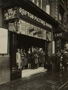 """Dublin History ~ The Grafton Picture House Old Pictures, Old Photos, Ireland Pictures, Dublin Ireland, Ireland Travel, Grafton Street, City Roller, Ireland Homes, Dublin City"