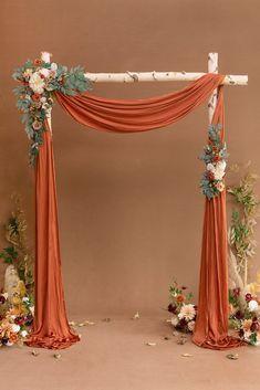 Backdrop Decorations, Diy Wedding Decorations, Flower Decorations, Backdrops, Wedding Ideas, Desi Wedding Decor, Diy Wedding Projects, Arch Flowers, Table Flowers