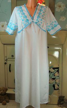 Vtg white Victorian style sissy long nightgown nightshirt nightie L/XL R13559