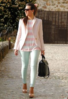 33 Trendy Menta Street Style Outfits. I love this outfit except for the pink. If the top and jacket were a different color, it would be perfect.