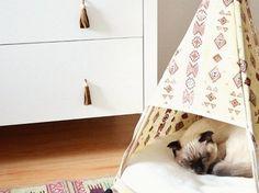 DIY-Anleitung: Ledertasseln als Möbelgriffe gestalten via DaWanda.com