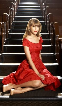 Estilo Taylor Swift, Taylor Swift New, Taylor Swift Style, Red Taylor, Taylor Swift Pictures, Swift 3, Estilo Fashion, Taylors, Lady In Red