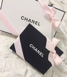 "classsybeauty: ""breakfastatt-chanel: "" breakfastatt-chanel "" Classsybeauty """