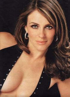 """Beautiful Gorgeous Actress & model """"Elizabeth Hurley"""" was at one time the long time girlfriend of Hugh Grant. They were together for 13 years from 1987 until Elizabeth Hurley, Elizabeth Jane, Beautiful Celebrities, Most Beautiful Women, Beautiful Actresses, Beautiful Gorgeous, Hugh Grant, Elisabeth, Brooke Shields"""