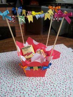CENTRO DE MESA FESTA JUNINA - CENTRO DE MESA Baby Birthday, Birthday Parties, Fire Crafts, Diy And Crafts, Crafts For Kids, Party Rock, Mocca, Woodland Party, Perfect Party
