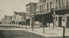 In 1900, San Francisco's Chinatown was quarantined with barbed wire fences