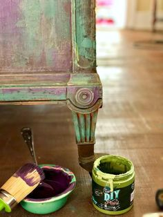 How to layer and blend color - Frozen paint finish; How to layer and blend color Frozen paint finish; How to layer and blend color Furniture Painting Techniques, Chalk Paint Furniture, Hand Painted Furniture, Distressed Furniture, Funky Furniture, Refurbished Furniture, Repurposed Furniture, Furniture Projects, Furniture Makeover