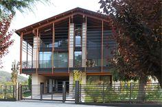 Villa moderna su 4 piani. Parquet Teak anticato