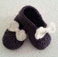 Baby slipper / booties for a little princess :)