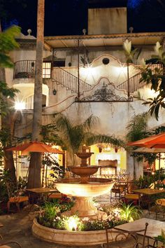 The 29-room inn resembles a Tuscan palazzo with quiet courtyards and lush gardens. #Jetsetter