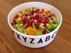 Spidskålssalat med æble, appelsin og granatæble via http://carrotstick.dk
