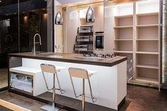 idea para cocinas con isla y barra incorporada de Cocinas Artnova. Kitchen, Table, Furniture, Home Decor, Rooms, Ideas, Renovation, Shopping, Vintage Kitchen