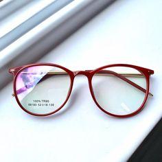 Glasses For Oval Faces, Glasses Frames Trendy, Cool Glasses, Girls With Glasses, College Girl Fashion, Glasses Trends, Eyewear Trends, Girls Mirror, Fashion Eye Glasses