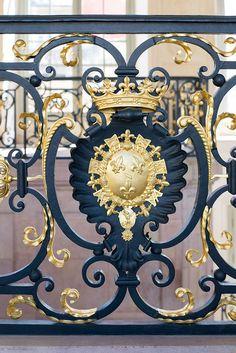 Palais des Ducs de Bourgogne - détail de la rampe de l'escalier Gabriel Atlantis, Rod Iron Railing, Rue Pietonne, Balcony Railing Design, Templer, Gabriel, Stairs, France, Balconies