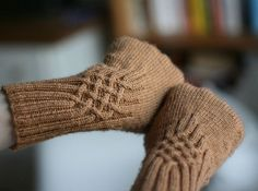 Ravelry: Knotty Gloves pattern by Julia Mueller Fingerless Gloves Knitted, Knit Mittens, Knitting Socks, Free Knitting, Knitted Hats, Knitting Patterns, Wrist Warmers, Hand Warmers, Ravelry